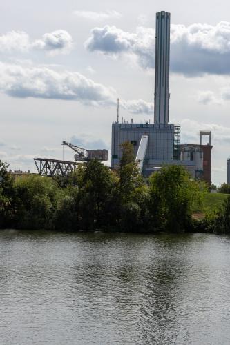 Heizkraftwerk und Kohlekran