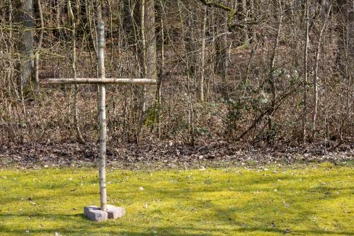 Hier wurden sieben ermordete KZ-Haeftlingen verscharrt