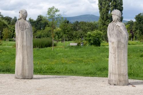 Stephan Guber, Das Versprechen - 2 Figuren mit Taunus