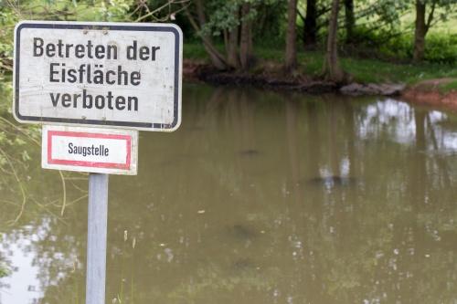 Betreten der Eisflaeche verboten