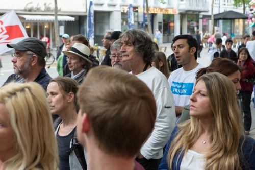 Mahnwache fuer Respekt, Toleranz und Zivilcourage-17