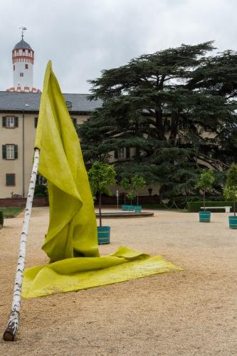 Caroline Coolen-Flag-Erstellungsjahr 2010-Technik Kunstharz, Birke-Masse 450 x 300 x 600 cm