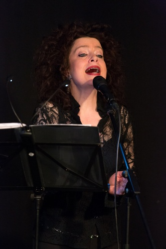 Sabine Kuehnrich (Gesang)