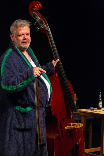Nisse Kreysing spielt- Der Kontrabass von Patrick Sueskind-5