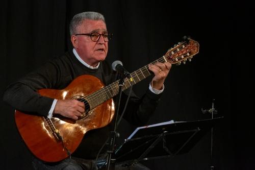 Manuel Salvador da Silva Campos - Gitarre und Gesang-3