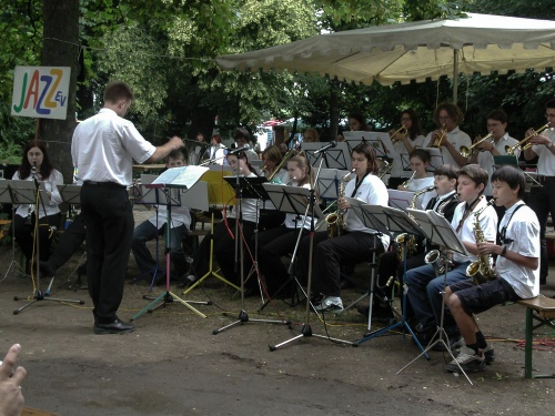 Bigband auf dem Offenbacher Mainuferfest