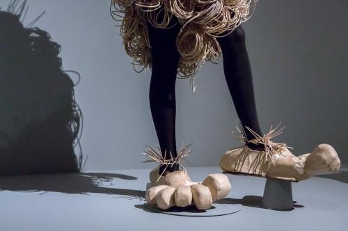 Lavinia Schulz Bibo - Detail Fuesse