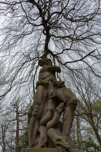 Herkules im Magnolienhain-3