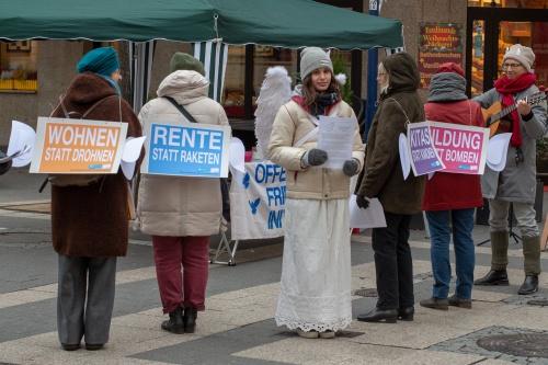 Infostand Offenbacher Friedensinitiative