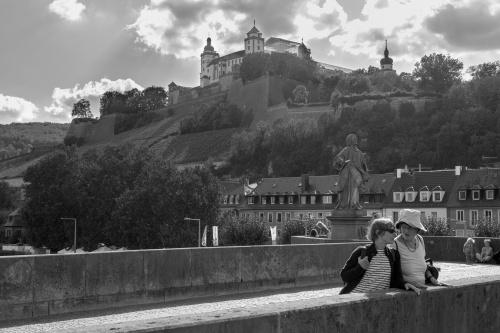 Alte Mainbruecke und Festung Marienberg Wuerzburg