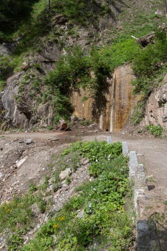 Twingi-Weg mit Geroell-Schutzmauer