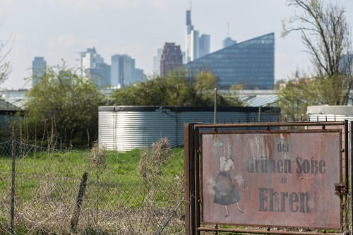 der Gruenen Sosse zu Ehren an der Frankfurter Skyline