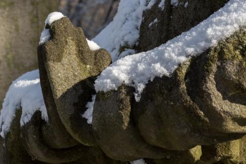 Details von Figuren auf dem Battenstein-4
