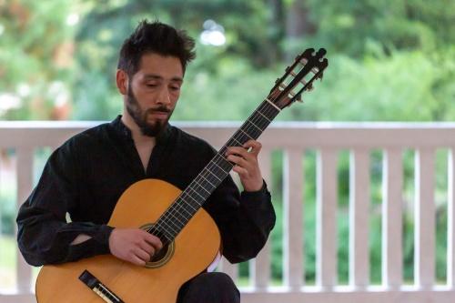 Talib Richard Vogl an der Gitarre