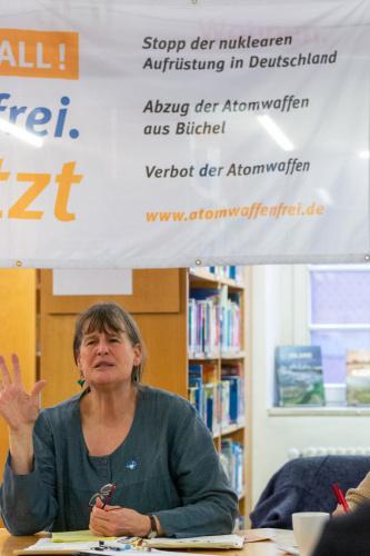 Regina Hagen, Sprecherin der Kampagne -Buechel ist ueberall! - atomwaffenfrei.jetzt-
