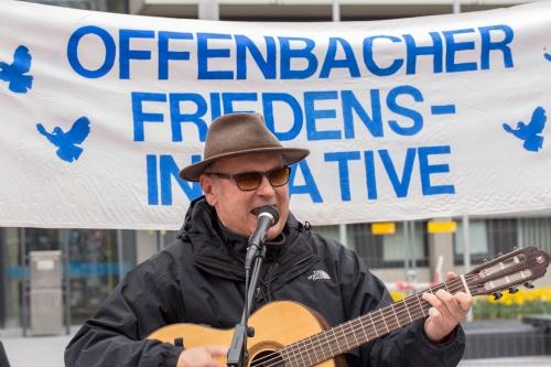 Ernst Schwarz bei der Auftaktkundgebung in Offenbach-2