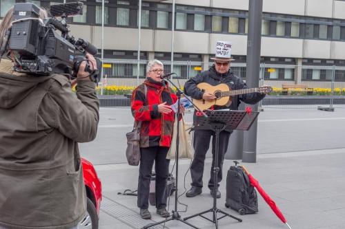 Ernst Schwarz bei der Auftaktkundgebung in Offenbach