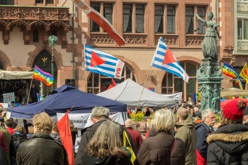 Justitia bei der Ostermarsch-Kundgebung